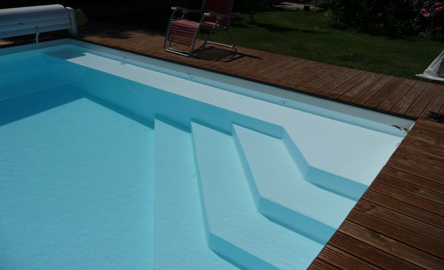 R alisations page 2 sur 3 techneau piscine for Liner blanc piscine