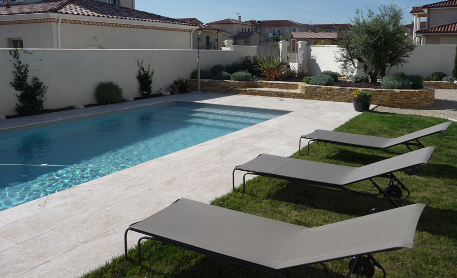 D co piscine naturelle construction toulon 3222 for Piscine hors sol naturelle